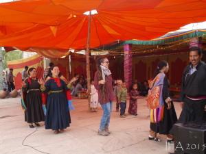 2015 Ladak. To bych nebyla já, kdybych se nenechala vyhecovat k participaci na tradičním tanečku. :)